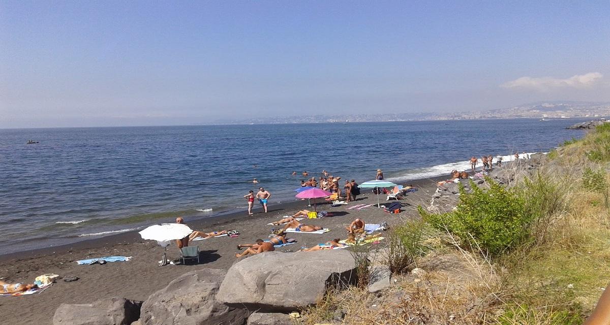Portici, una petizione popolare per chiedere l'accesso libero alle spiagge