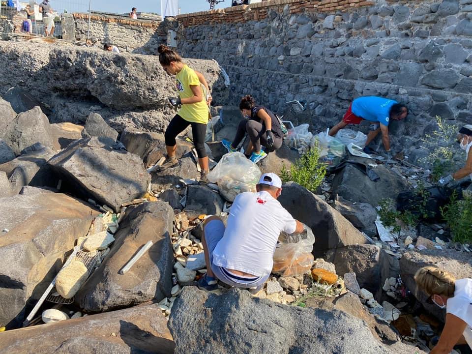 World cleanup Day 2020, la tappa di Portici denuncia una grave situazione di degrado sociale